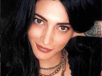 Quarantine DIY: Shruti Haasan's makeup tutorials