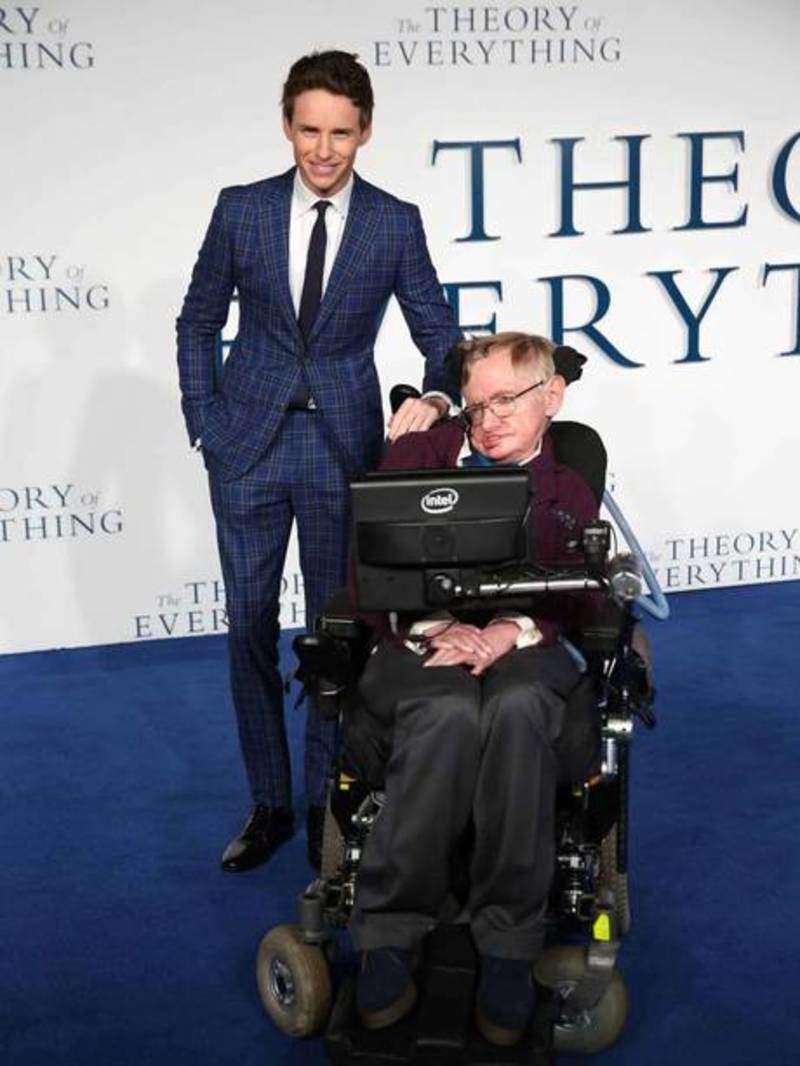 Eddie Redmayne calls Stephan Hawking 'extraordinary' and 'funny'