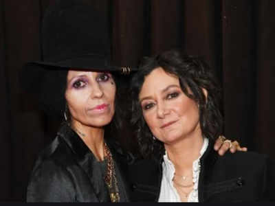 Sara Gilbert files for separation from Linda Perry
