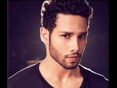 Heard this? Siddhant Chaturvedi to star in Ritesh Sidhwani and Zoya Akhtar's next,  a spin-off on MC Sher