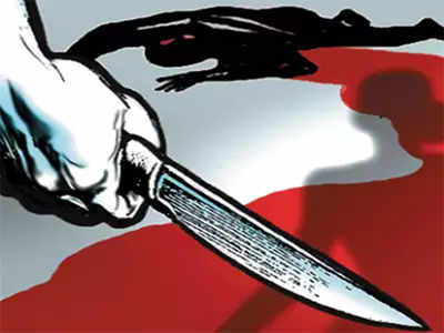 Techie stabbed and robbed by two scooter-borne robbers