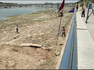 Sabarmati river clean-up drive begins in Ahmedabad