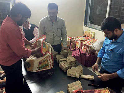 Bharuch: Directorate of Revenue Intelligence seizes Rs 48.90 crore in old notes in India's largest such haul