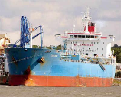 Nigerian pirates release 24 crew members, but ransack tanker