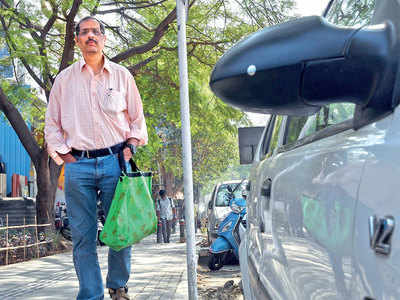 Techie rallies for rear belts in cabs