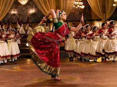 Thalaivi new still out: Kangana Ranaut as Jayalalithaa aces Bharatanatyam pose