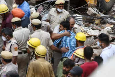 Delhi news: Police file case after two minors killed in Sabzi Mandi building collapse
