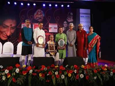 Veteran vocalist Pandit Sharad Sathe from Pune honoured at classical music festival