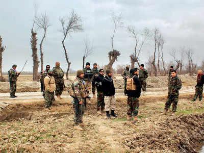US strikes Taliban to counter attacks