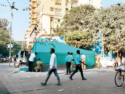 Seal of Khar kabootar khana torn hours after BMC shuts it