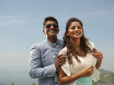Natasaarvabhowma movie review: Puneeth Rajkumar-starrer is a perfect mix of comedy, horror and romance