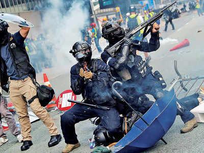 Fresh clashes create chaos in Hong Kong