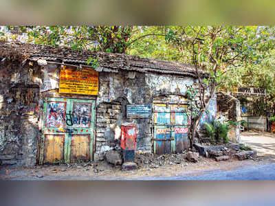 Mumbai Speaks: Walled art
