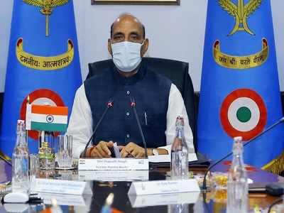 Rajnath Singh pays tributes to fallen soldiers on 'Kargil Vijay Diwas'