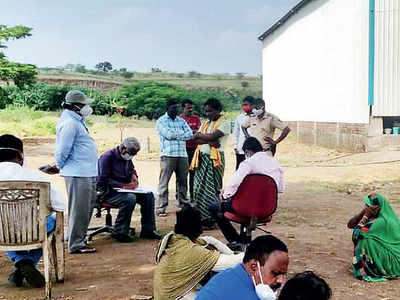 Migrant workers of Daund factory make way home
