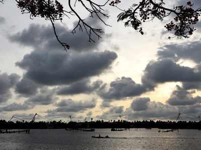 After one week delay, Monsoon hits Kerala coast
