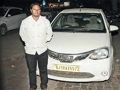 Extra cash not okay, please: Driver returns Rs 74,000 to a woman who had accidentally overpaid