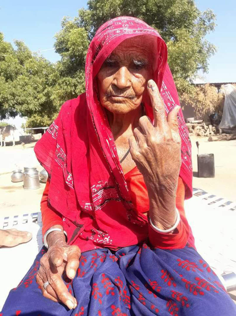 In Photos: The Centenarian Voters of the 2017 Gujarat Elections!
