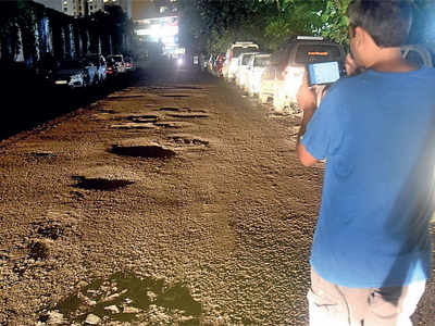 Mumbai potholes: After BMC's e-governance app fails to resolve civic complaints, its website fares no better