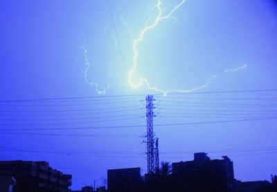 Heavy rains lash Andhra Pradesh, Telangana, nine dead