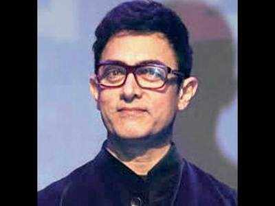 Aamir Khan tense after staff tests Covid-19 positive