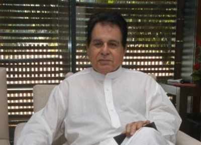 Veteran actor Dilip Kumar honoured with Living Legend Lifetime Award, also gets a wall mural in Bandra