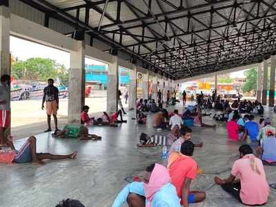 300 Andhra Pradesh fishermen stuck in Udupi, Chandrababu talks to  Yediyurappa for help