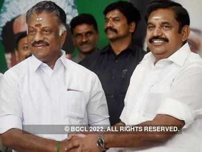 Ruling faction of AIADMK shows signs of getting perky; discuss strategy with legislators