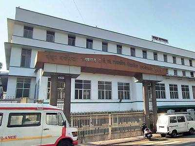 Pune: Massive shortage of beds, ventilator support for COVID-19 patients; hospitals struggle as dist collector admits to crisis