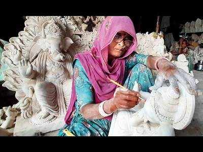 Potters rue shrinking height of Ganesh idols