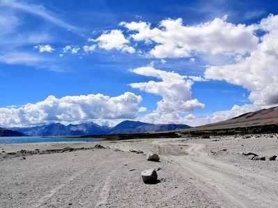Maha govt plans for an MTDC resort in Ladakh