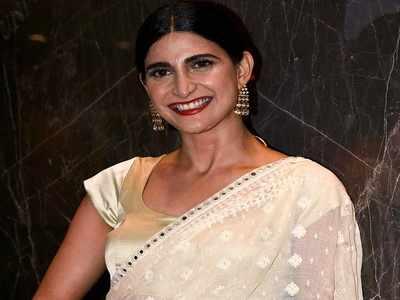 Prakash Jha's remark was on a scene and not me, clarifies Aahana Kumra
