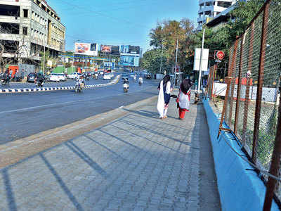 Baner footpath cleared of underground cables