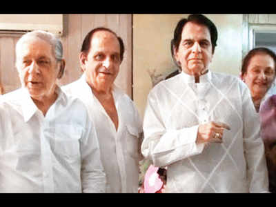 Dilip Kumar bereaved; younger brother Aslam Khan passes away