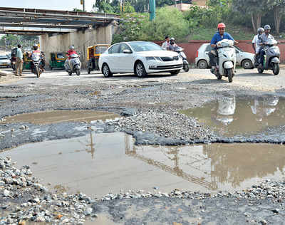 Karnataka High Court deadline ends today, potholes remain unfilled