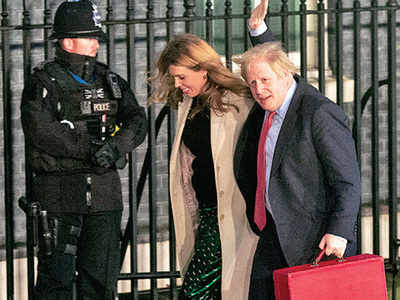 UK PM 'weds fiancée in secret ceremony'