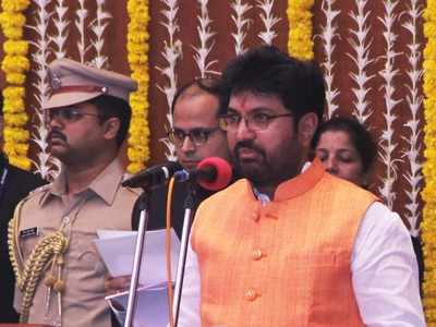 Shiv Sena minister Arjun Khotkar demands 100% quota for local youths in private jobs