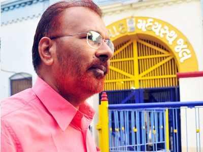 Former cops DG Vanzara, NK Amin discharged in Ishrat Jahan case