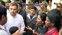 Kerala flood: Rahul Gandhi visits relief camp in Malappuram
