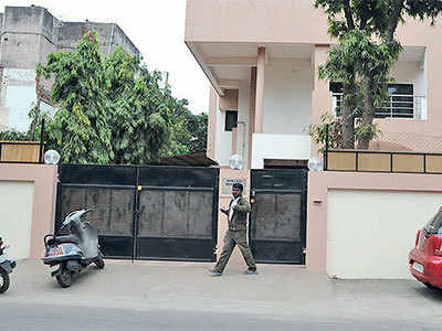 Unlocked kitchen door costs NRI couple Rs 9.44L worth valuables