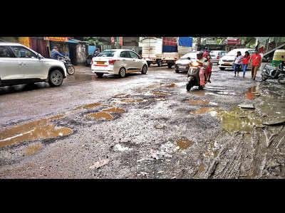 Run-down road leaves KCB residents fuming