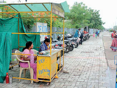 Contractor charges double for two-wheeler parking