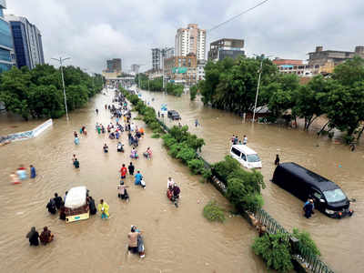 Afghanistan, Pakistan battered by rains