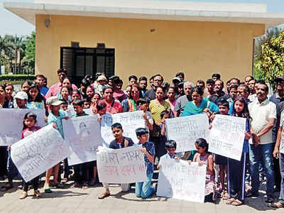 DyDE asks Amanora School to cancel TCs over fee hike