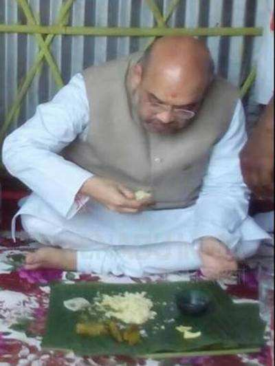 Kolkata: BJP president Amit Shah eats at dalit's house in Naxalbari