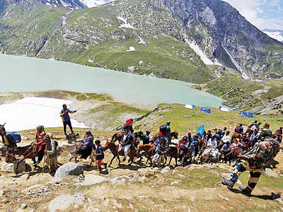 Tourists, pilgrims asked to leave Kashmir immediately
