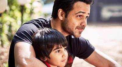 Emraan Hashmi's little son has sent hand written 'Thank You' to Bollywood actors, the cutest thing on internet today