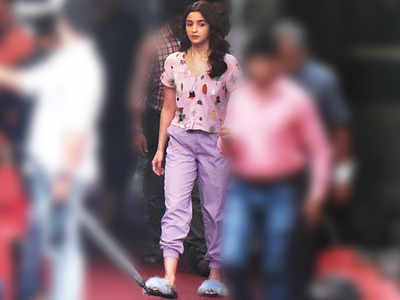 Alia Bhatt spotted at a studio in Goregaon