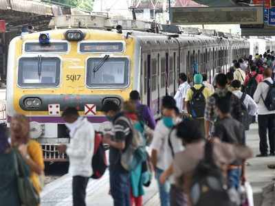 Students, teaching, non-teaching staff allowed in Mumbai local trains up to December 10