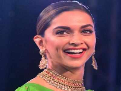 Padmaavat: Deepika Padukone becomes first Indian actress to have a title role movie in Rs 200 crore-club, receives handwritten note from Rekha